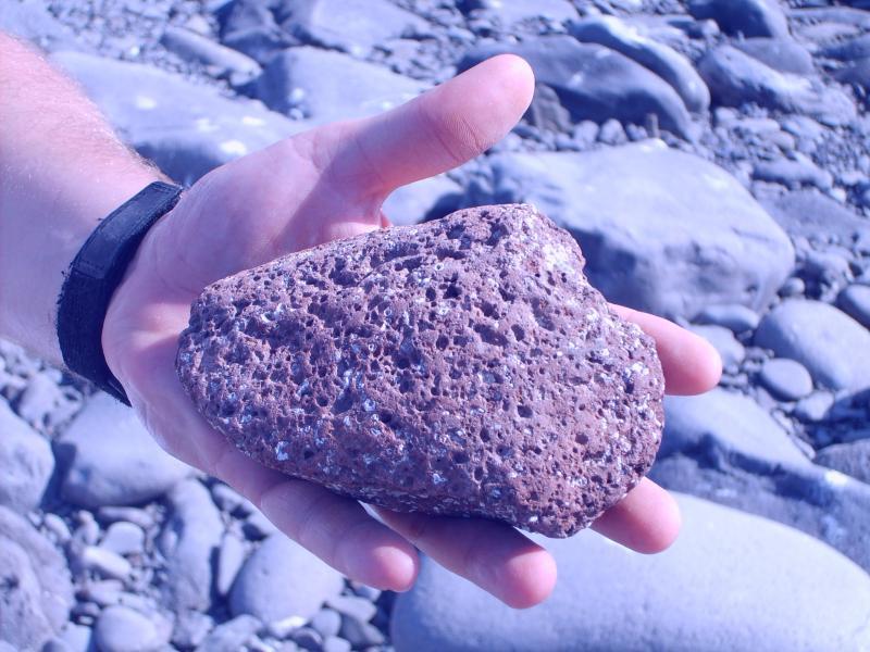 Pierre de lave volcanique