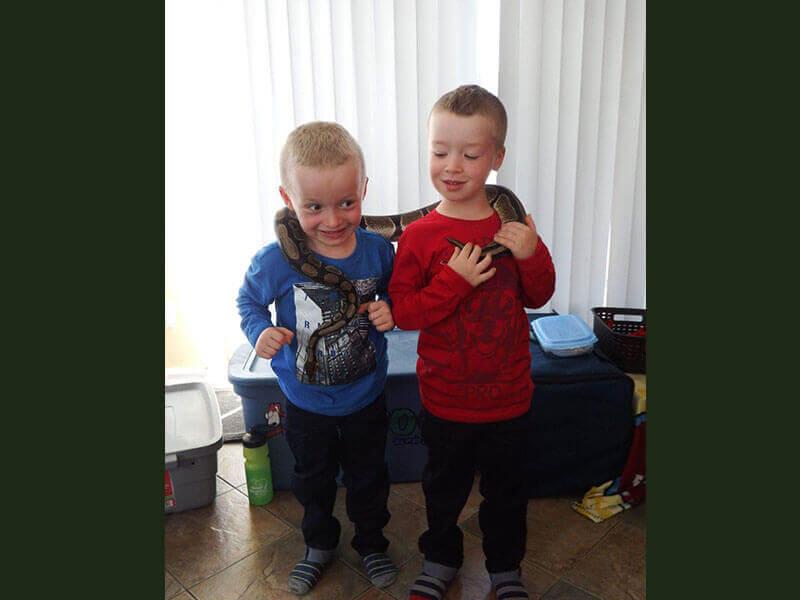 Bryan et Logan, 5 ans